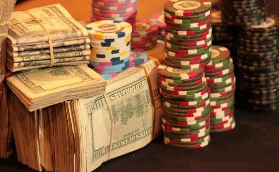как скачать покер для игры на реальные деньги в интернете?
