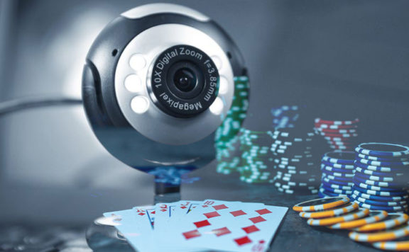 Покер по вебкамере.